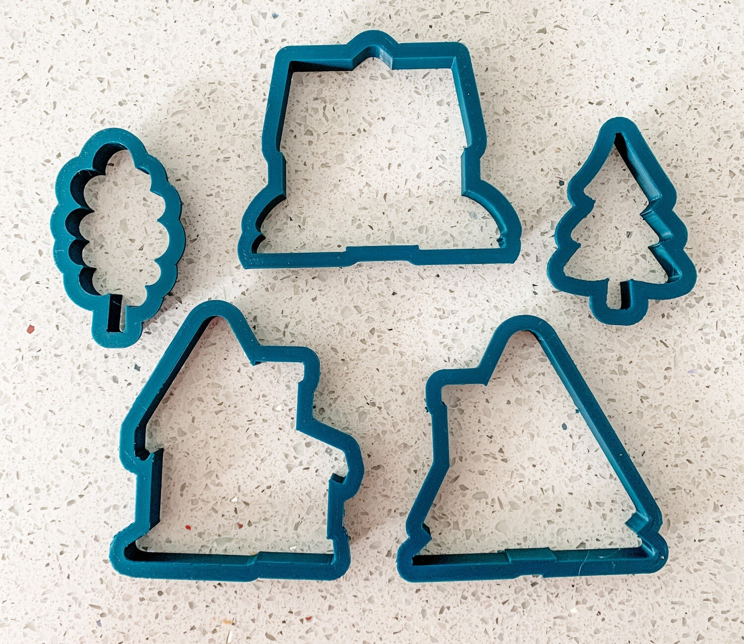 5 Piece Cutter Set for Winter Houses