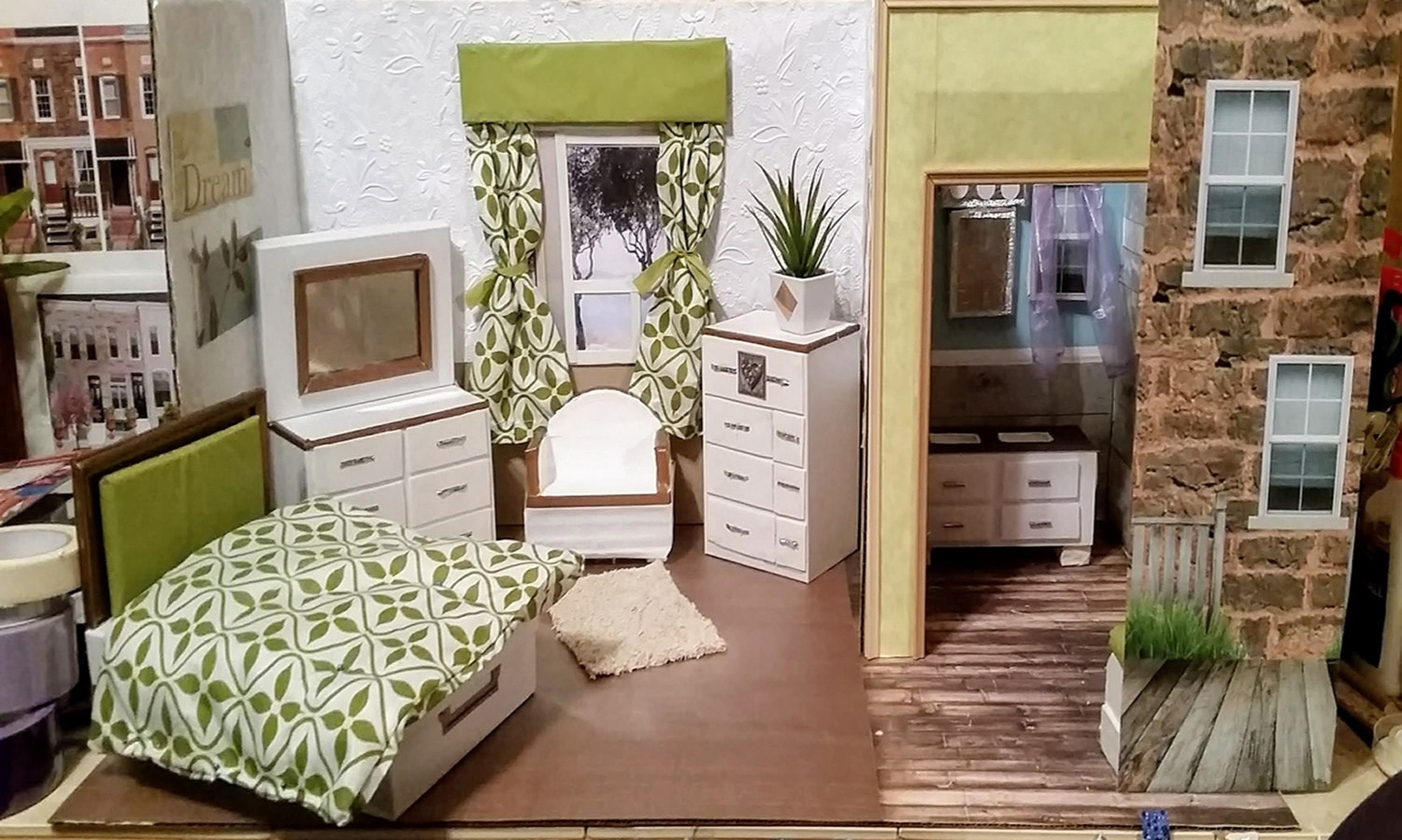 Green Traditional Doll House 001