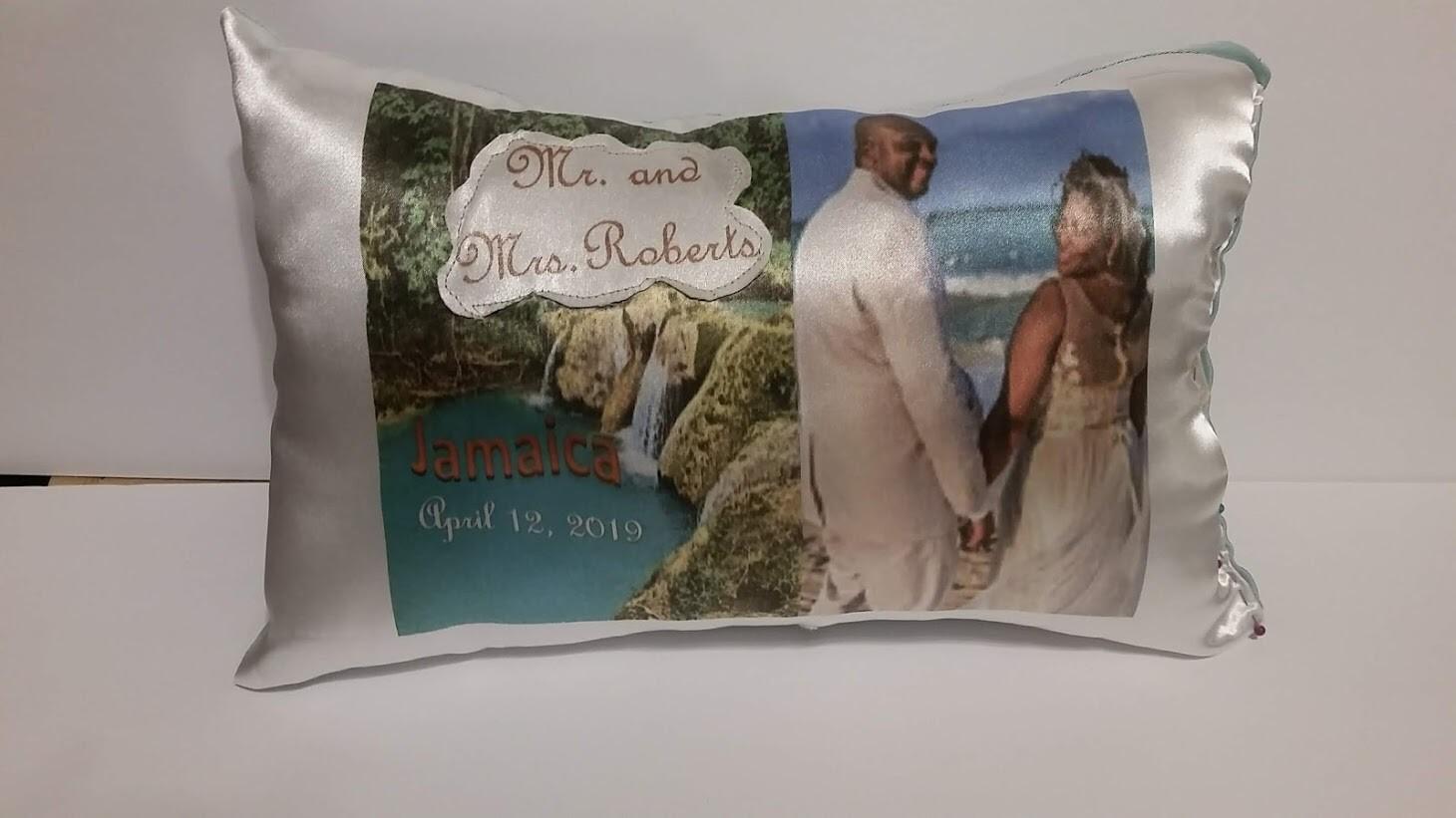 Wedding pillow style 1