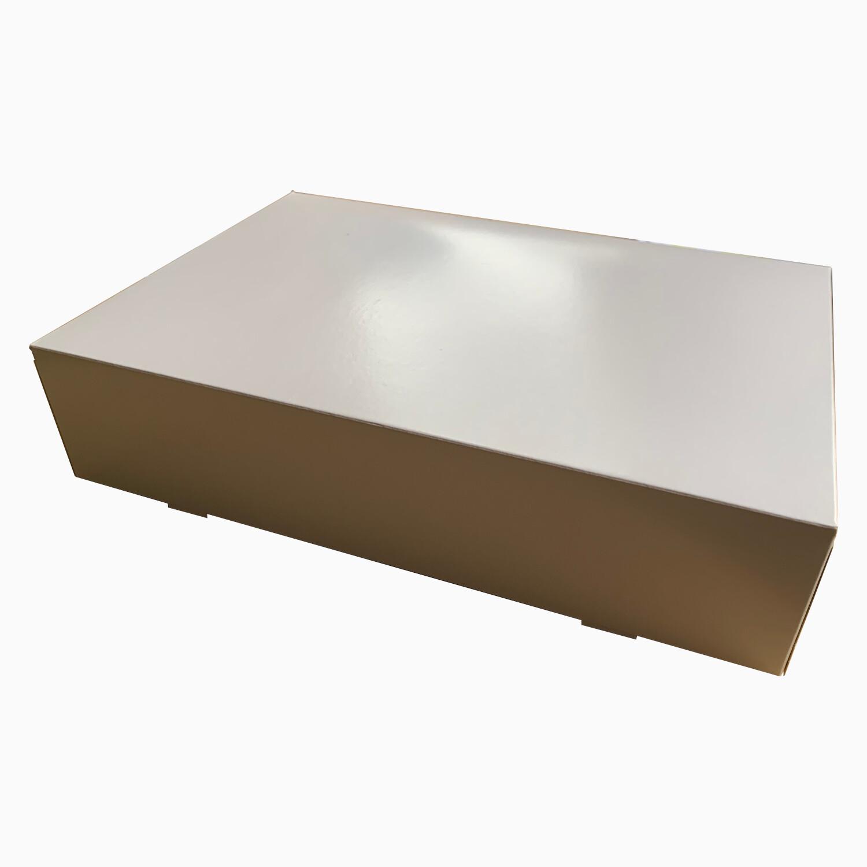 Catering/Gebaksdozen klein wit onbedrukt   35,7cm x 24,7cm x 8 cm, verpakt per 100 stuks