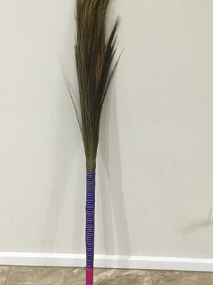 INDIAN BROOM THIN WITH PLASTIC HANDLE (INDOORS)
