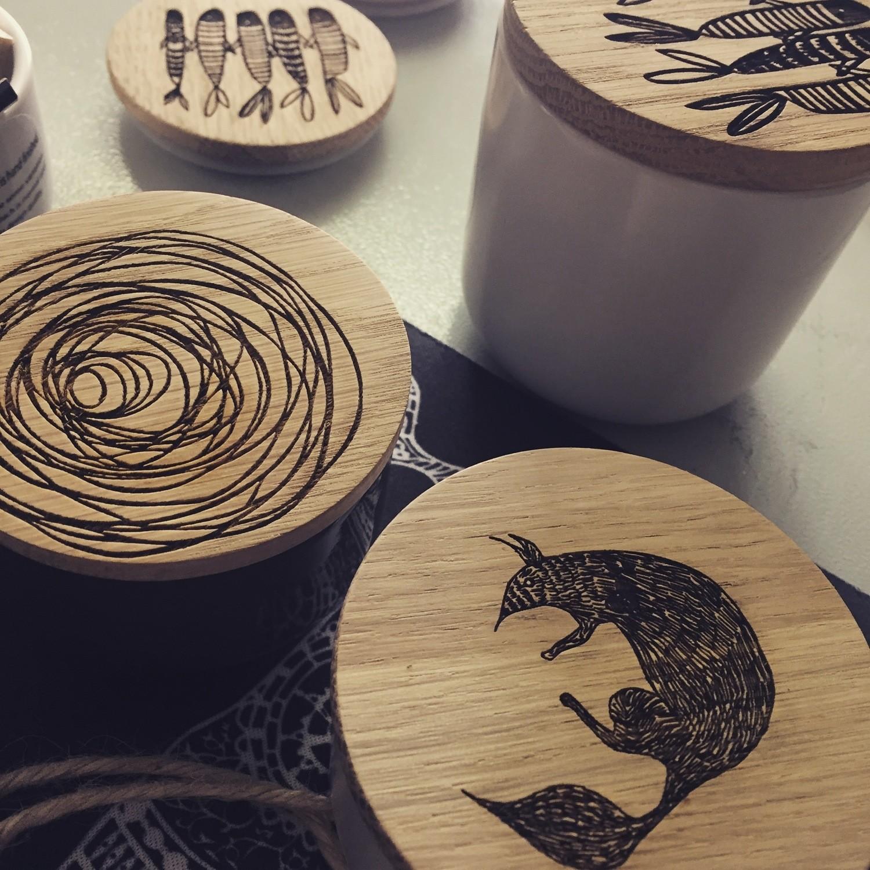 Oak/Ceramic Keepsake Pots  small 7 X 4cm