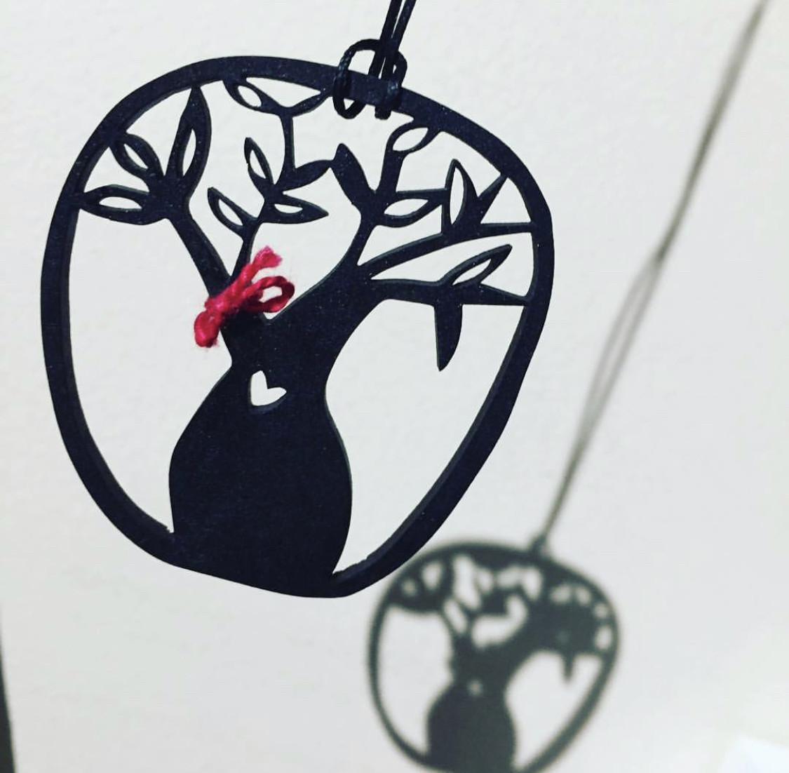 Acrylic/Wood Pendants Workshop