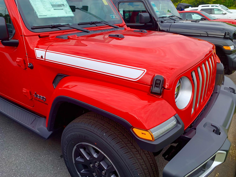 Jeep Gladiator JT Wrangler JL JLU Rubicon Straight Hood Spear Graphics
