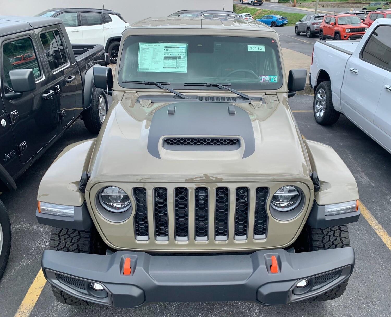 Jeep Gladiator JT Wrangler JL JLU Mojave Hood Graphics