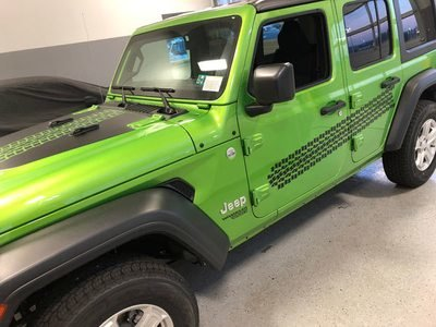 Jeep Gladiator JT Wrangler JK JKU  JL JLU Large Tire Tracks Graphics