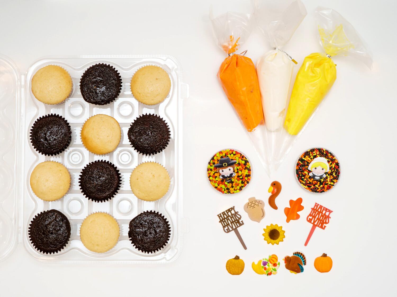 Thanksgiving DIY Cupcake Decorating Kit