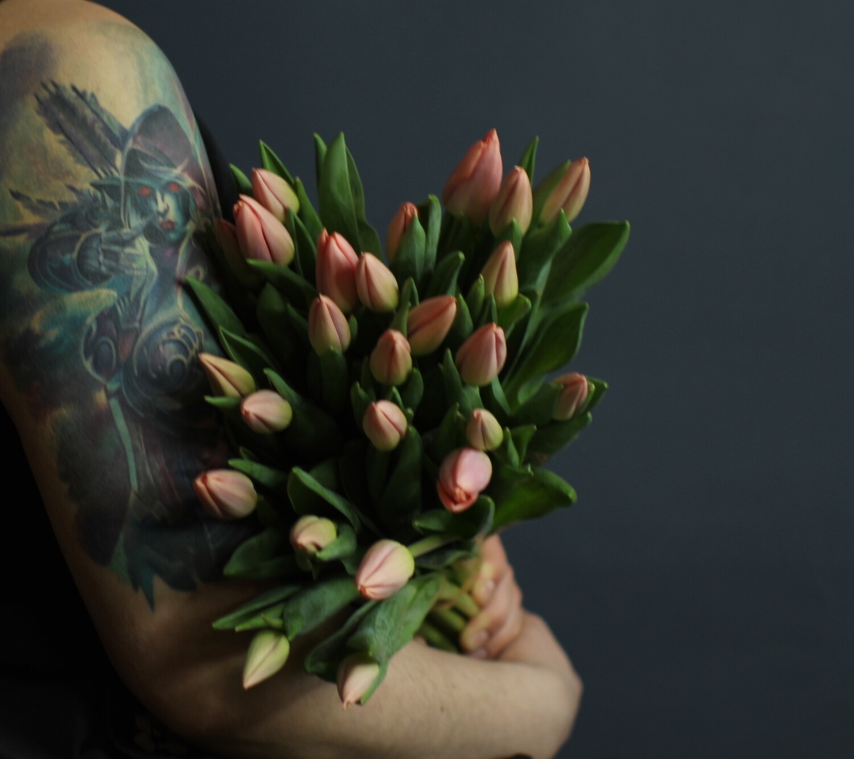 Моно пастельно - персиковых тюльпанов