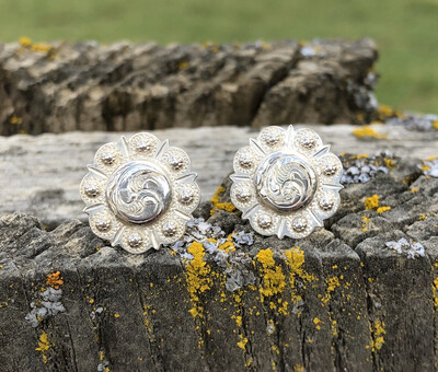 Sterling Silver Point &Scallop Post Earring