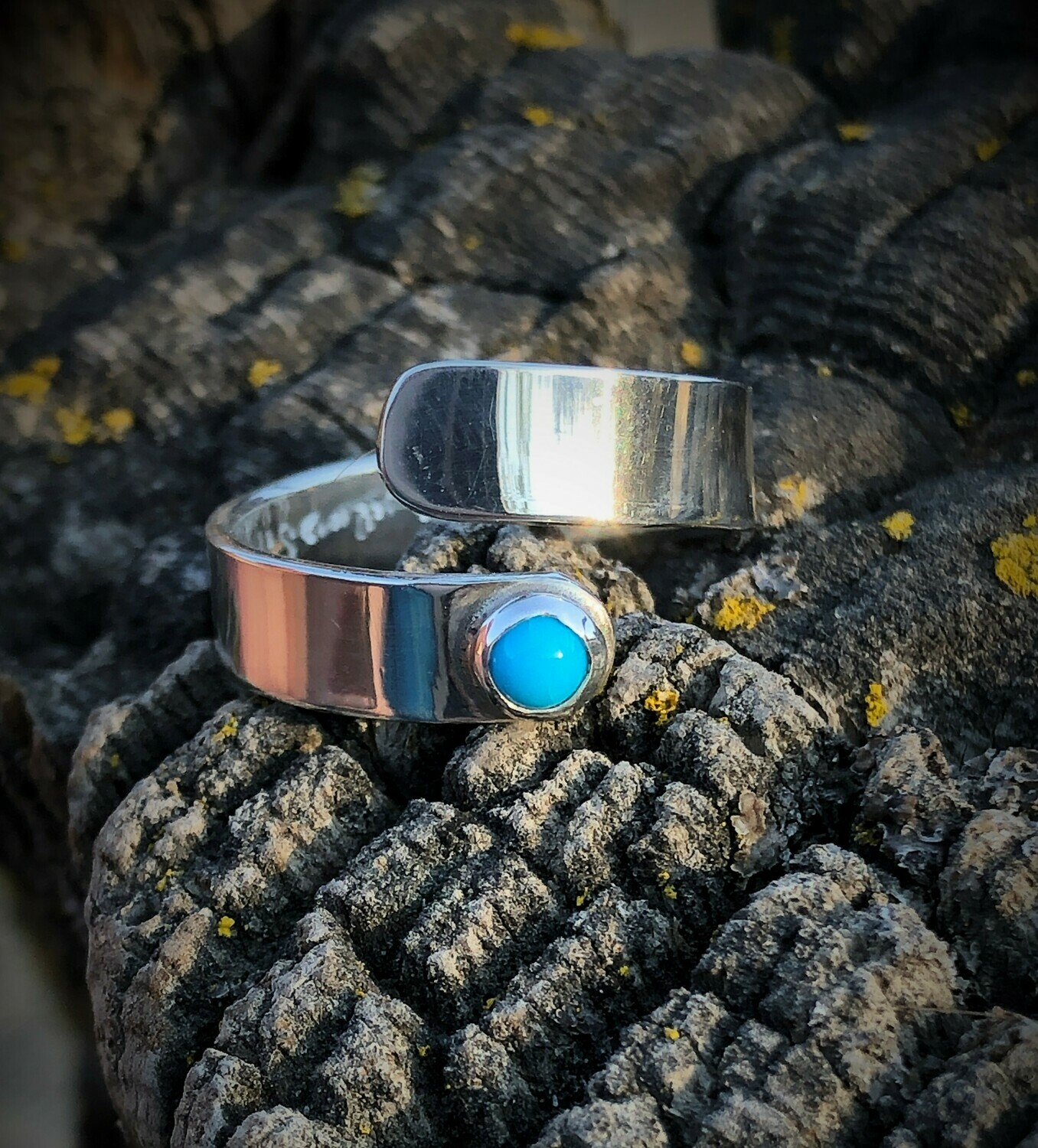 Wrap ring with turquoise cabochan