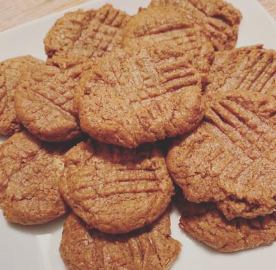 Peanut Butter Cookies (Frozen)