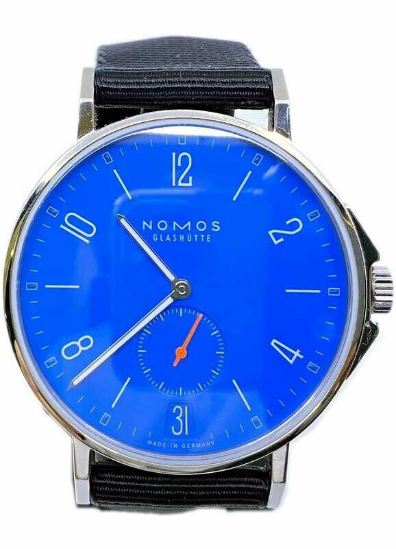 NOMOS Glashütte Ahoi Datum Signalblau 554
