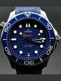 Omega Seamaster Diver 300M Co-Axial Master Chronometer on Rubber Strap 210.32.42.20.03.001