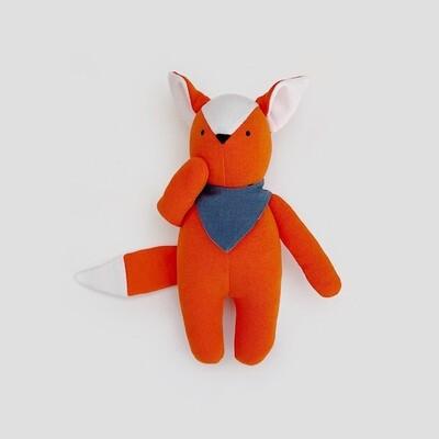 Рыжий лисёнок