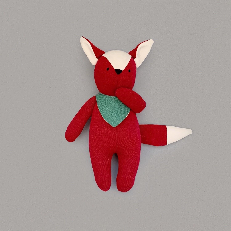 Бордовый лисёнок