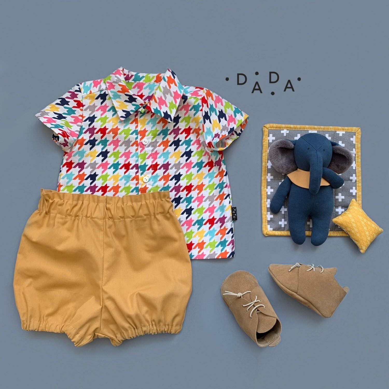 Комплект рубашка, блумеры, замшевые моксы и игрушка