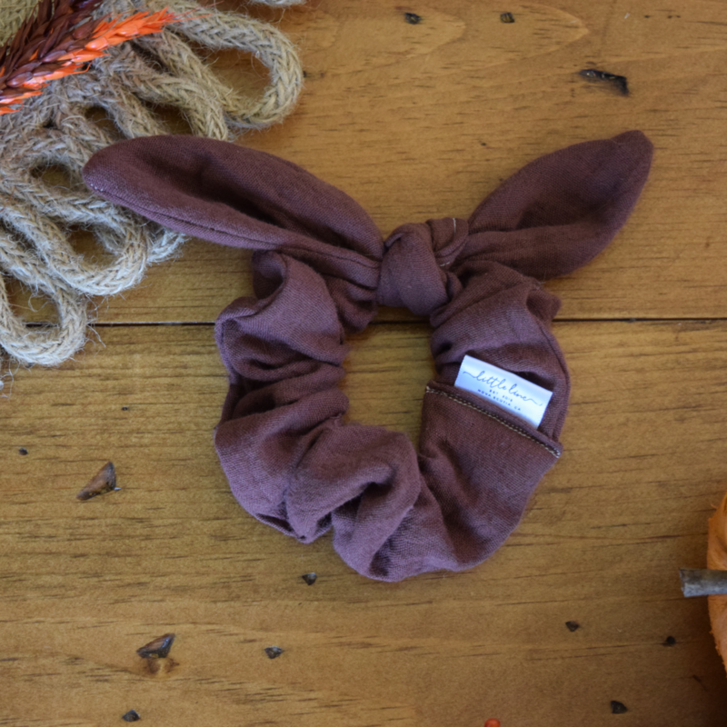 LILIAN KNOTTED SCRUNCHIE