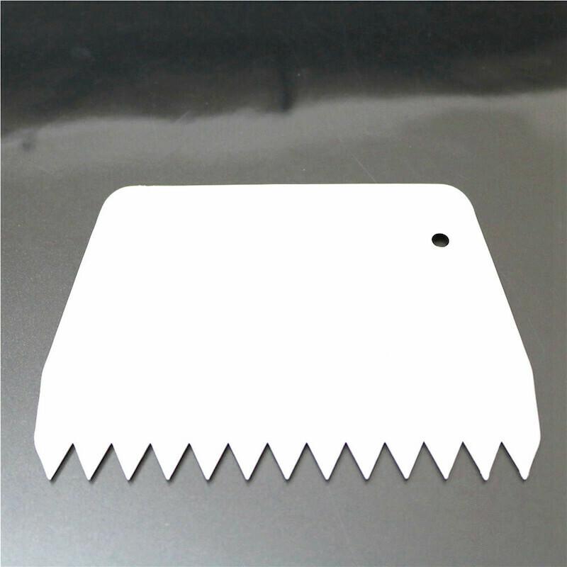 Кондитерский скребок фигурный Зубчики