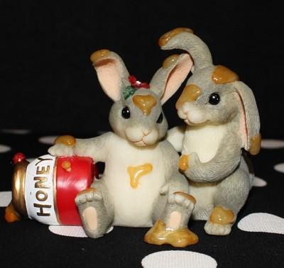 Charming Tails Fitz and Floyd Honey Bunnies Figurine #84/112 in Original Box