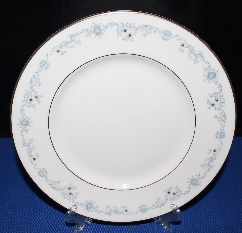 "Royal Doulton Angelique 8"" Salad Plate English Bone Fine China H4997"