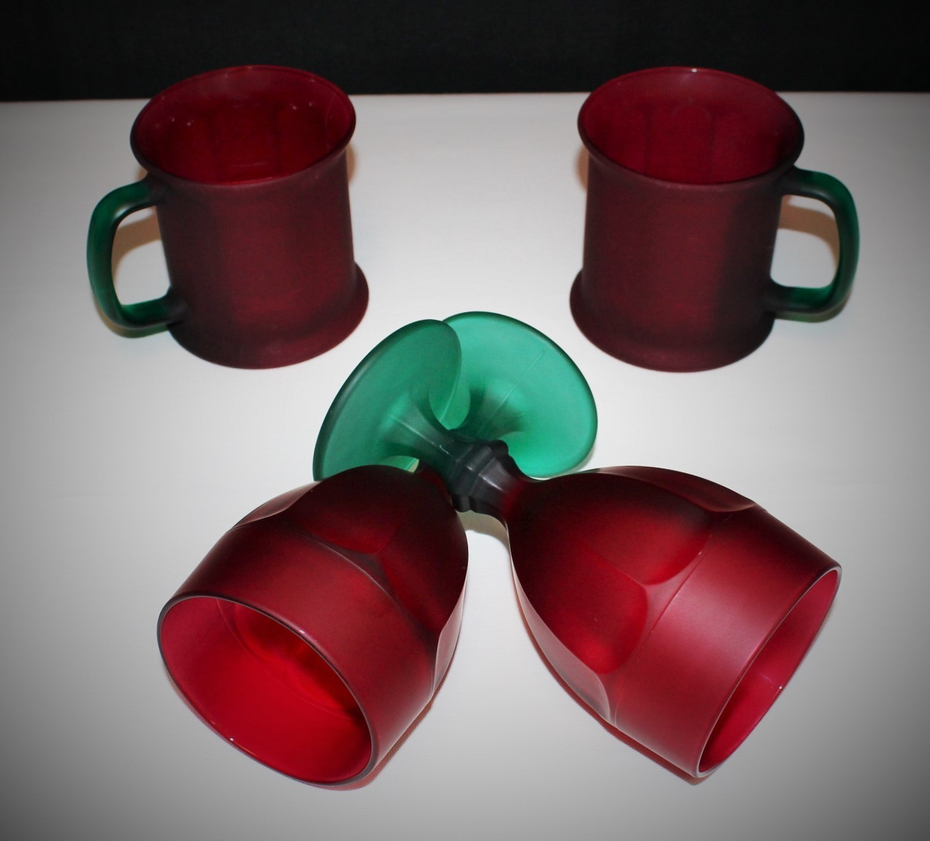 Set of 4 Libbey Duratuff (2) Goblets (2) Mugs Frosted Red/Green Satin Glassware