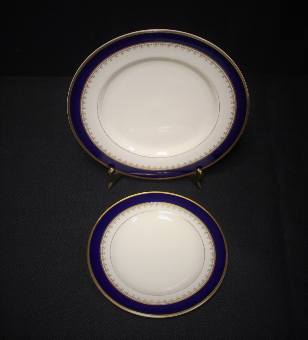 Pickard Washington Bread and Salad Plate in Cobalt Blue & 24 KT Gold Fine China