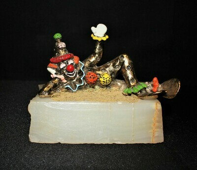 Ron Lee 1979 PINKY Lying Down Waving Clown Sculpture Figurine #112, Signed
