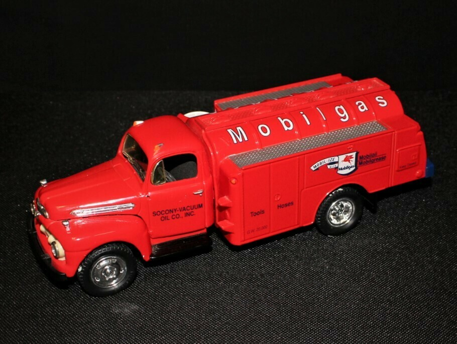 Mobilgas 1951 Ford F6 First Gear Red Die-Cast Fuel Tanker Truck