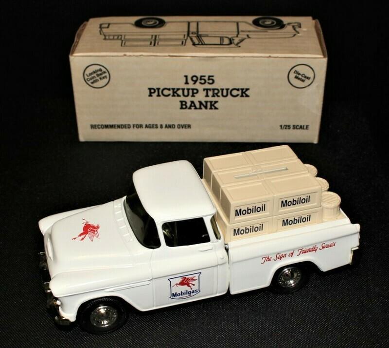 ERTL 1955 Mobiloil Gas White Chevrolet Cameo Truck Bank w/ Key in Original Box