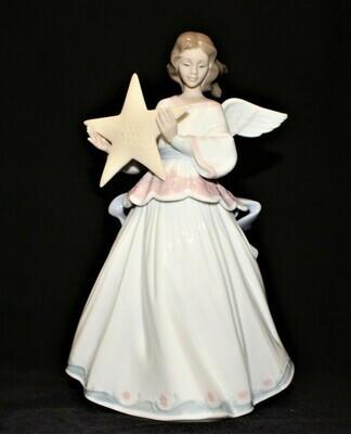 Lladro Daisa Angel of the Stars 8