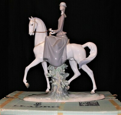 """Lladro Large 18"""" Woman Riding Horse Porcelain Gloss Finish Figurine #4516 in Box"""