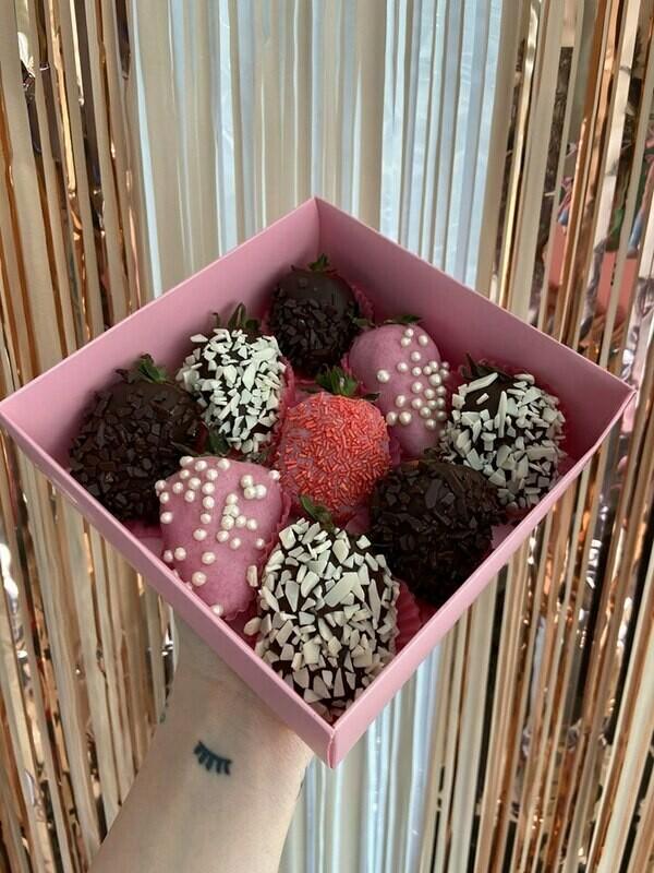9-ცალიანი ნაკრები ფერადი | Pack of 9 Strawberries Colorful