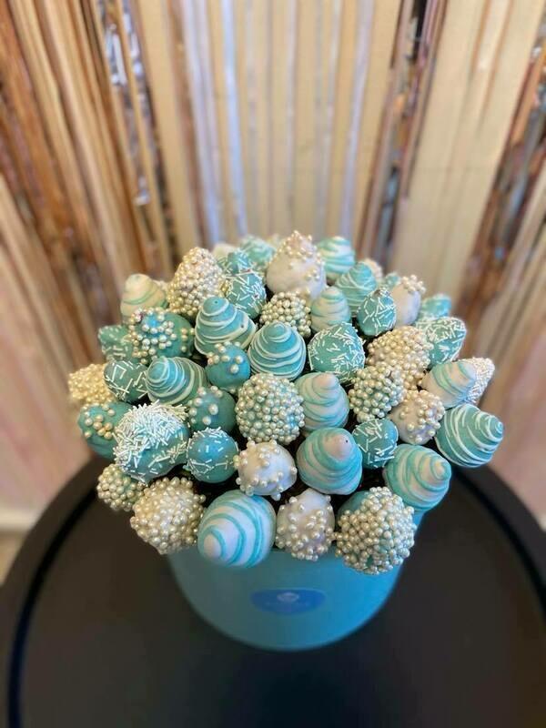 თაიგული დიდ ყუთში ცისფერი | Bouquet in a large box Blue