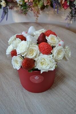 თაიგული პატარა ყუთში ყვავილებით | Bouquet in a small box with flowers