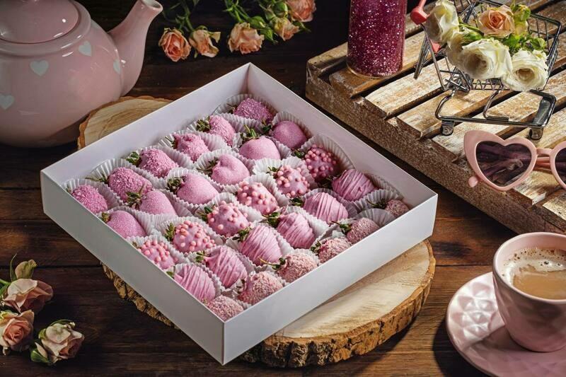 ვარდისფერი ნაკრები | Pack of Pink Strawberries