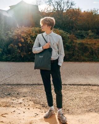 larry. bag grey