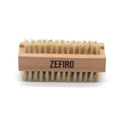 Zefiro® Wood & Natural Bristle Nail Brush