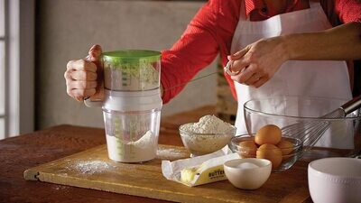 Bakelicious™ Swift Sift Flour Sifter