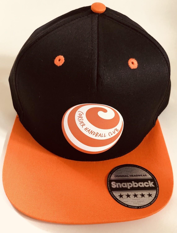 Casquette noire avec logo orange