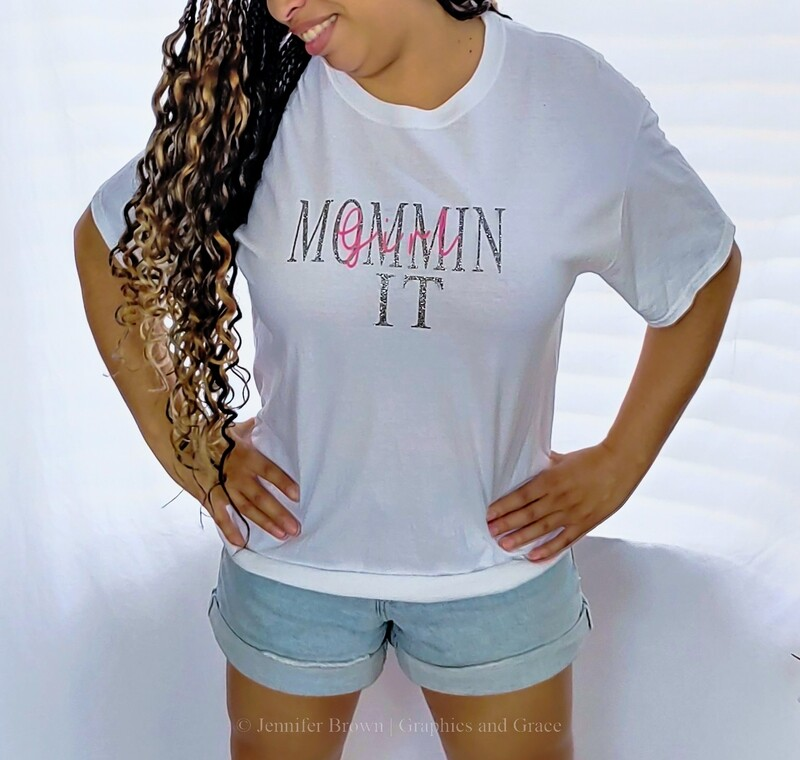 Girl MomminIt t-shirt