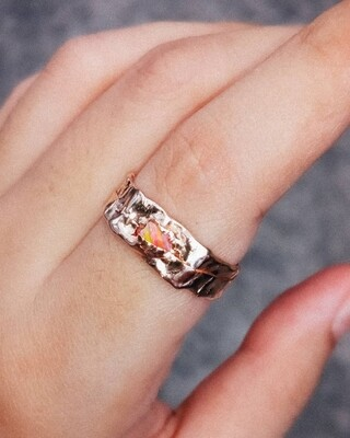 FRACTURED RING PEACH OPAL