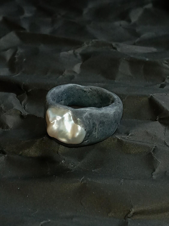 Quartz Pearl Ring
