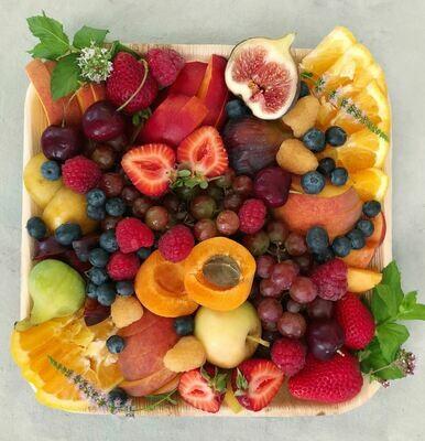 Small Farmer's Market Seasonal Fruit Box