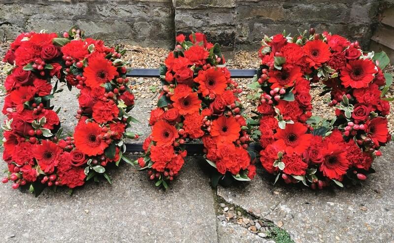 Loose flower name tributes