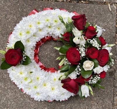 Classic compact wreath
