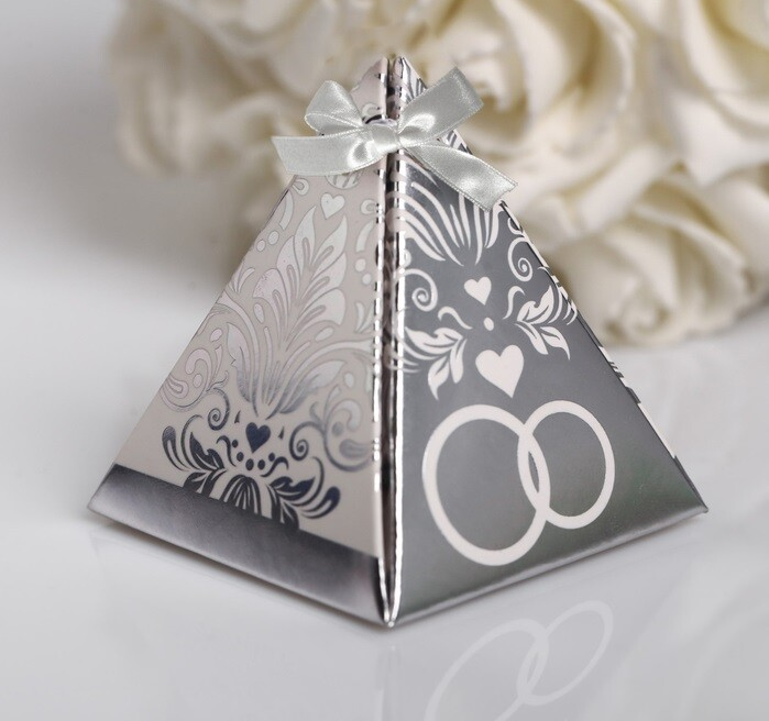 Бонбоньерка для готсей (пирамидка серебро)