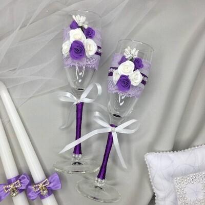 Бокалы (ручная работа с бело-фиолетовыми розами)
