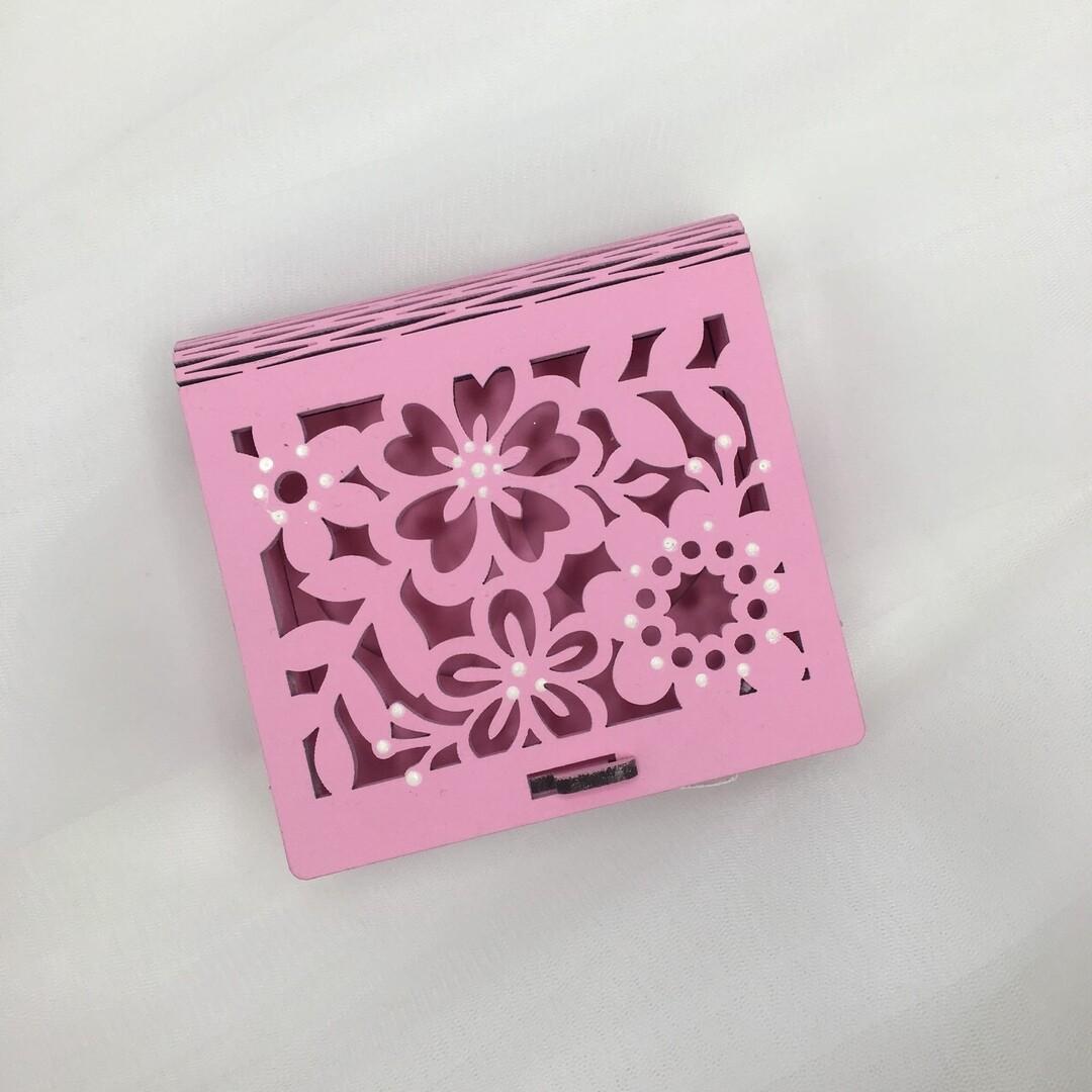 Шкатулка под кольца (розовая, цветы)