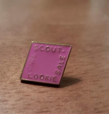 2014 Pink Metal Cookie Pin