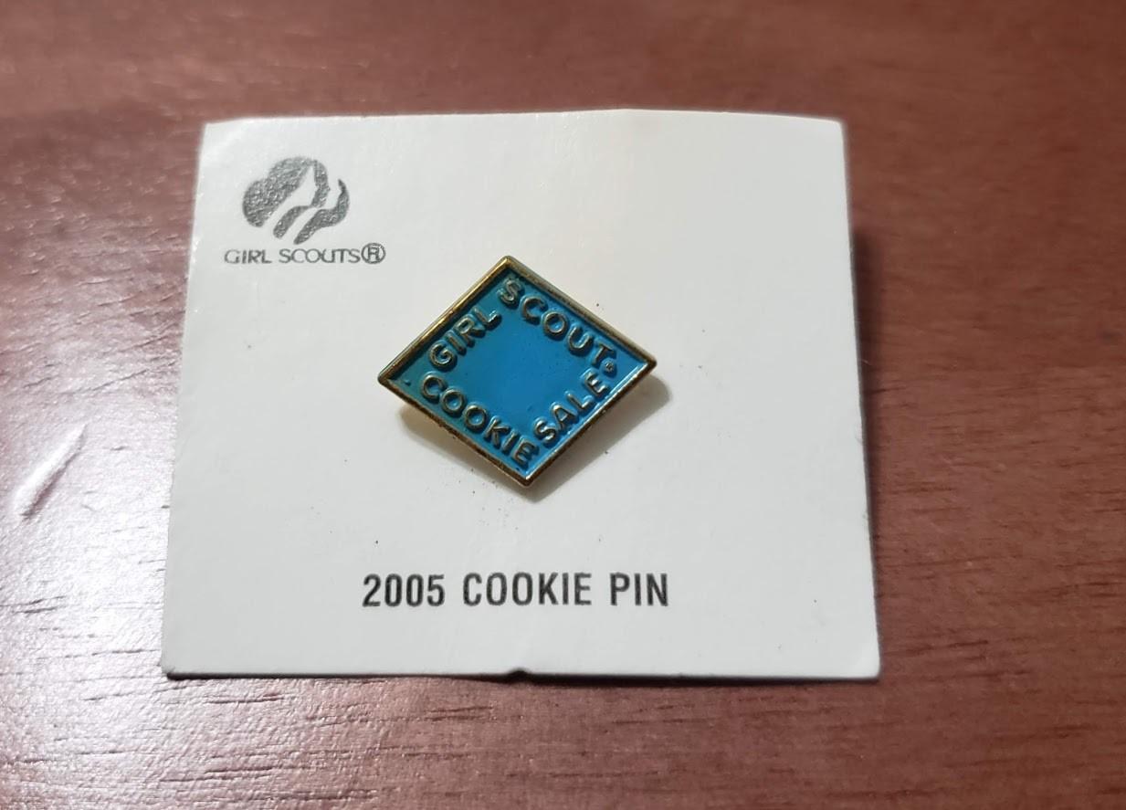 2005 Light Blue Metal Cookie Pin